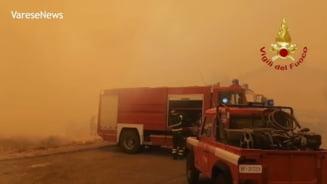 """""""Catastrofă fără precedent"""" în Sardinia. Italia cere ajutorul țărilor vecine pentru stingerea incendiilor devastatoare"""