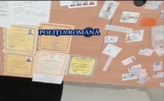 """""""Fabrică"""" de acte contrafăcute pentru românii din diaspora. Gruparea falsifica aproape orice tip de document VIDEO"""