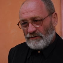 ''Cartea Alcool'' de Ion Muresan, cel mai bun volum de poezie din 2010