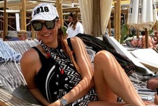 Țiriac are după ce să suspine! Fosta lui iubită face furori pe plajă la Marbella FOTO