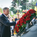 """Încă 46 de români primesc certificate de """"luptător cu rol determinant"""" în Revoluția din 1989. Klaus Iohannis a semnat decretul"""
