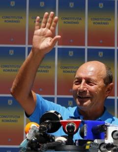 """""""Agenturile"""" si vocile pe care le aude Traian Basescu (Opinii)"""