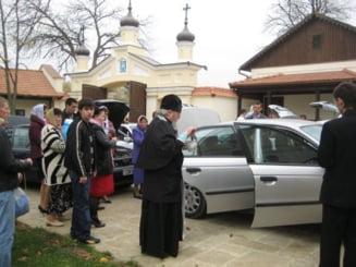 """""""Asigurare divina"""" pentru masini: Patriarhia introduce slujba de binecuvantare a vehiculelor (Video)"""