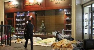 Daily Mail: Romanii se spala in fantanile Londrei, dorm pe strazi, numarul arestarilor e in crestere