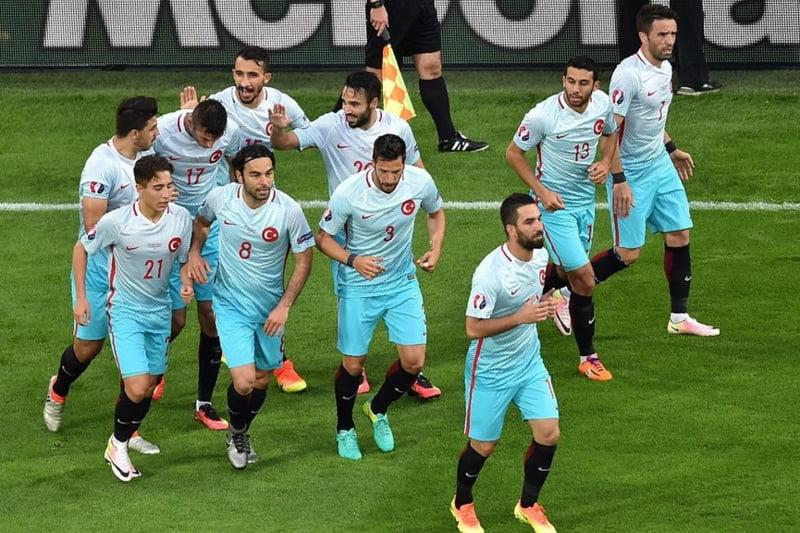 EURO 2016: Turcia invinge Cehia si spera la o calificare miraculoasa