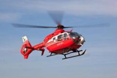 Elicopter SMURD prabusit: Victimele, inmormantate cu onoruri militare si flori aruncate din avion