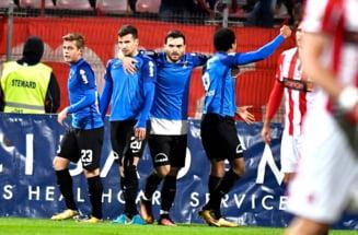 Liga 1: Viitorul lui Hagi invinge la scor Dinamo, dupa un meci cu incidente in tribune