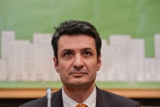 Scandalul dezinfectantilor diluati E oficial: Achimas Cadariu si-a dat demisia de la Ministerul Sanatatii