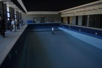 """""""Biblioteca-piscina"""" de sub Tampa, data in lucru"""