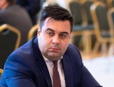 """""""Cetateanul Razvan Cuc"""" anunta ca vrea sa depuna plangere penala impotriva fostei sefe Tarom"""