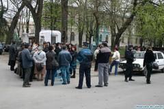 """Directorul Mihai Roibu va trebui sa aiba grija de 500 de copii!"""