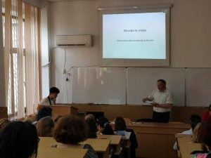 """Educatia ne uneste"", dezbatere despre sistemul de invatamant la Colegiu Spiru Haret"