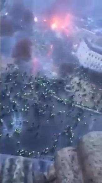 """Franta se prabuseste"": Clipul viral care arata haosul din tara zguduita de proteste - incendii, fum, zgomot infernal (Video)"