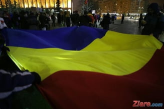 (Galerie foto & video) Peste 100.000 de romani au protestat in tara si diaspora, in ziua 13 dupa OUG 13