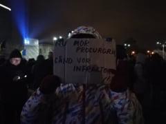 """""""Nu mor procurorii cand vor infractorii!"""": Romanii din toata tara au iesit in strada, pentru a-i sustine pe magistrati (Foto, Video)"""