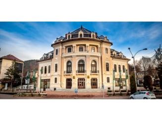 """""""Povestea unui om lenes"""" deschide stagiunea teatrului din Piatra Neamt"""