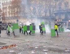 """""""Prea putin"""", spun protestatarii autoritatilor de la Paris, care deja au dat inapoi in fata vestelor galbene"""