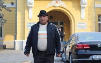 """Printul ghetourilor"" candideaza la Primaria Botosani cu o viziune politica originala: ""Primar inseamna primul om in stat"""