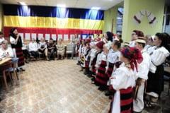 """""""SEZATOAREA CENTENARULUI"""" - Dialog intre generatii la un eveniment traditional sprijinit de deputatul dr. Viorica Chereches"""