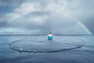 """""""Sarpele"""" urias lansat in Oceanul Pacific pentru a aduna plasticul nu se descurca prea bine, dar creatorul sau este optimist"""