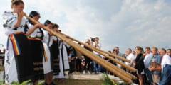 """""""Targul de fete"""" de pe Muntele Gaina va avea loc in acest week-end. Mii de oameni sunt asteptati sa ia parte la eveniment. AFLA PROGRAMUL MANIFESTARILOR"""