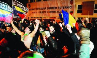 """""""Ultrasii"""" s-au adunat la Sibiu si au potestat impotriva Legii 4! """"Ole, ola, refuzam dictatura"""""""