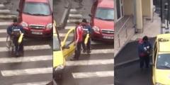 (VIDEO) Iata cum pacaleste un cersetor trecatorii din Hateg. IMAGINI CARE SCANDALIZEAZA