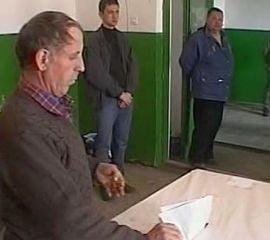 Alegeri parlamentare - Cati romani se duc la vot?