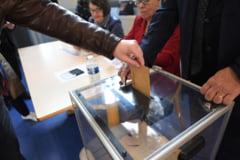 AFP: Macron si Le Pen, doi candidati antisistem pe care-i opune totul