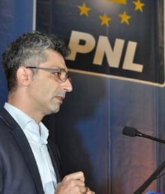 Aberatia zilei: Candidatul PNL la Primaria Galati a plagiat din programul lui Nicusor Dan