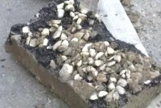 Aberatia zilei: Hidrant uitat sub asfalt si cautat cu detectoare de metale