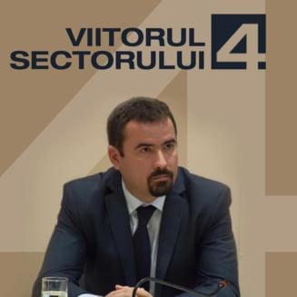 Aberatia zilei: Un fost primar general isi face campanie pescuind in gropile din Bucuresti (Video)
