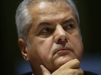 Adrian Nastase, condamnat la doi ani de inchisoare cu executare - vezi reactii