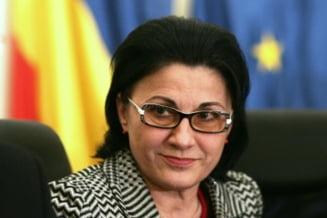 Alegeri europarlamentare: Andronescu scapa de incompatibilitate