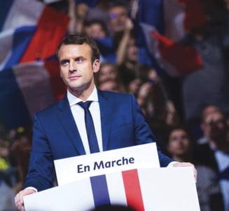 """Alegeri in Franta: Presedintele Hollande si guvernul anunta ca il sustin pe Macron """"fara rezerve"""""""