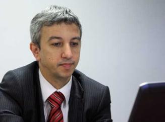 """Alegeri locale 2012: Dan Diaconescu a votat pentru """"curatenia de ciocoi"""""""