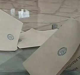 Alegeri parlamentare - Buletine de vot gata stampilate, impartite in Vrancea