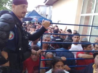 Alegeri parlamentare: Peste 50.000 de politisti si jandarmi asigura paza si ordinea