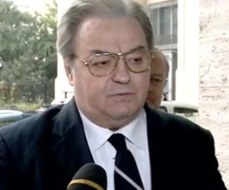 Alegeri prezidentiale 2014 - Vadim, candidatul de serviciu: Isi vinde masina ca sa aiba bani de campanie