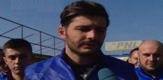 Alegeri prezidentiale 2014: Oamenii lui Iohannis, atacati cu pietre si oua in Voluntari