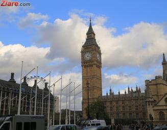 Associated Press: Ce urmeaza si care este miza alegerilor anticipate din Marea Britanie
