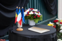 Atentate teroriste la Paris - Franta trece la fapte: Vrea sa distruga Statul Islamic si islamul radical