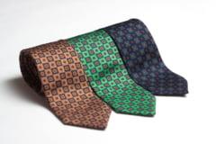 Au reusit in afaceri: Eleganta pe primul plan - Magazinul online romanesc cu cravate handmade