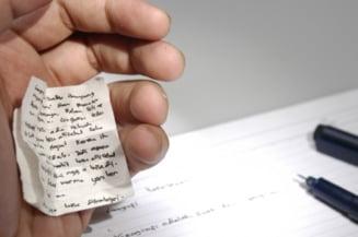 Bacalaureat 2013: Zeci de elevi, dati afara pentru copiat la ultima proba