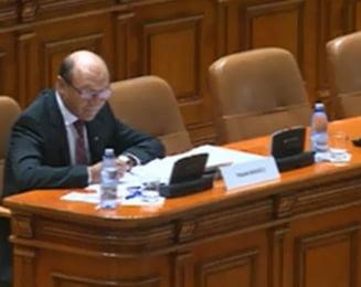 Basescu, suspendat - vezi reactiile Puterii si ale Opozitiei
