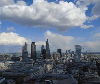 Brexit: Sute de companii, printre care Sony si Pansonic, isi muta sediile in Olanda pentru a mentine accesul la piata UE