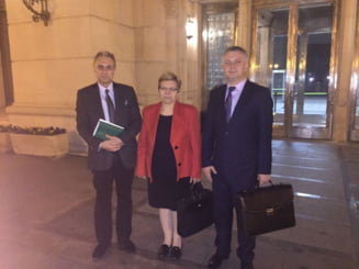 Buget 2016: Un minister primeste o majorare de 129%