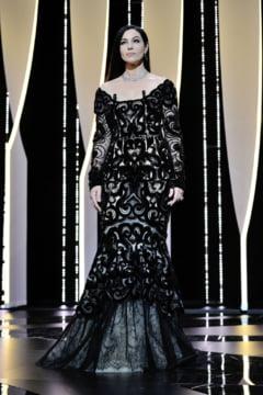 Cannes 2017: Tinute de covorul rosu si nu prea. Cum s-a prezentat Madalina Ghenea (Galerie foto)