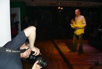 Cheful presei: Basescu, premiu pentru Cura de repaus TV, Antonescu - presedinte made in China