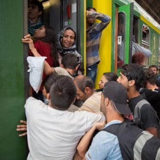 Criza imigrantilor: Ungaria refuza intrarea a doua trenuri cu refugiati sirieni din Serbia